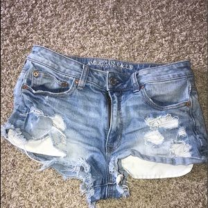 lightwash ripped AEO Jean shorts